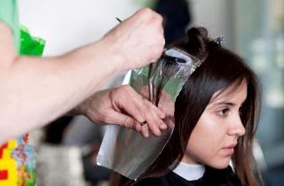 Как правильно выполнять балаяж на черных волосах