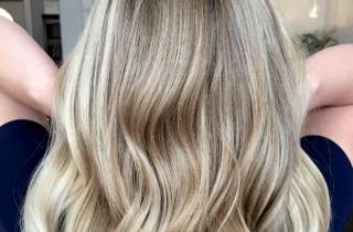 Как провести балаяж на светлые волосы