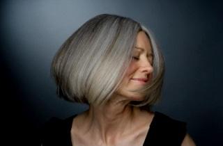 Как окрасить волосы в пепельный балаяж