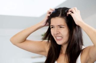 Причины выпадения волос и боли у корней волос