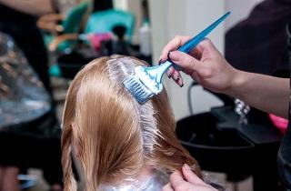 Техника выполнения брондирования волос