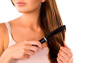 Расчесывание волос маслом