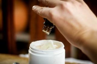 Эффективные рецепты средств для волос с маслом кедра