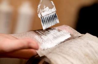 На какие волосы лучше наносить краску – на грязные или чистые