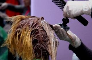 Салонное окрашивание волос в красный оттенок
