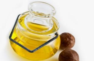 Применение и польза масла ореха макадамии для волос