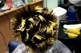 Как проводится мелирование кудрявых волос