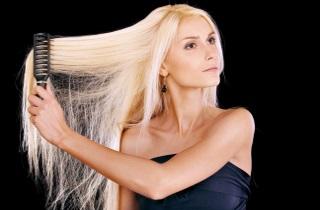 Как окрасить волосы в блонд