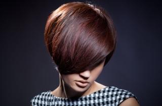 Особенности окрашивания коротких волос