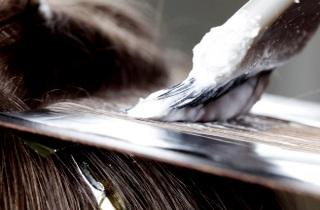 Как правильно окрашивать темные волосы