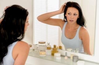 Можно ли осветлить волосы с помощью шампуня