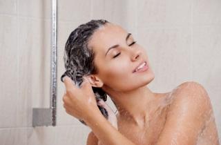 Выпрямляем волосы в домашних условиях