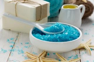 Лучшие спреи для волос с морской солью