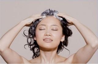 Как избавиться от сухой кожи головы