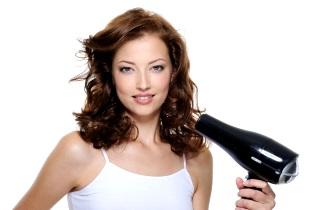 Особенности домашнего ухода за кудрявыми волосами