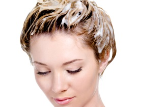 Ухаживаем за осветленными волосами в домашних условиях