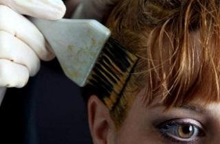 Почему выпадают и истончаются волосы