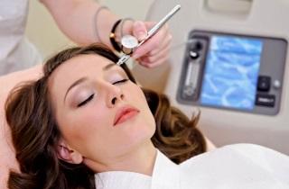 Процедуры по восстановлению роста волос и бровей