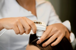 Процедуры для восстановления роста волос после стресса