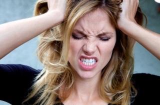 Почему выпадают волосы из-за болезни щитовидной железы